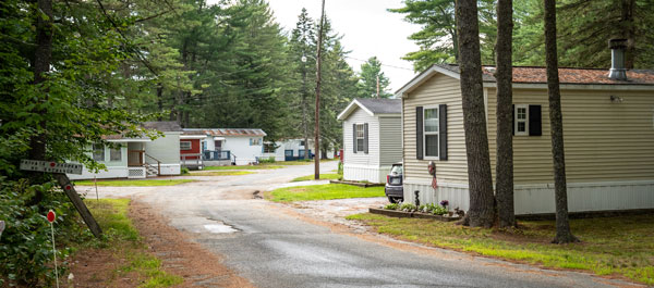 Buyers are offereing premium prices for manufactured-home communities.